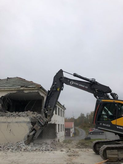 Tore Løkke AS - riving av Roan sykeheim 2019